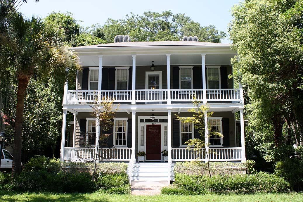 tupper residence